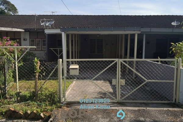 Terrace For Rent in Taman Canning, Ipoh Freehold Unfurnished 3R/1B 800translationmissing:en.pricing.unit