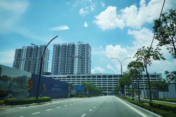 Condominium For Sale in Utropolis Batu Kawan, Batu Kawan Freehold Unfurnished 1R/1B 330k